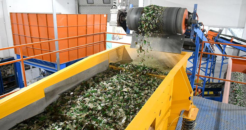 Екопак България откри първата у нас инсталация за сортиране на стъкло по цвят